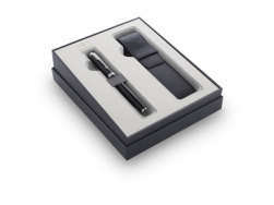 Parker IM Black CT Fountain Pen T2016 in a gift set with a case