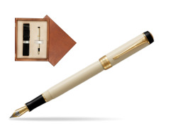 Parker Duofold Classic Ivory & Black International GT Fountain Pen  single wooden box  Mahogany Single Ecru