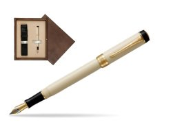 Parker Duofold Classic Ivory & Black International GT Fountain Pen  single wooden box  Wenge Single Ecru