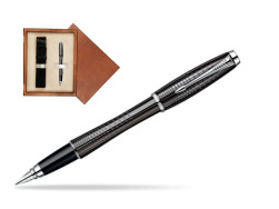 Parker Urban Premium Ebony Metal Chiselled CT Fountain Pen  single wooden box  Mahogany Single Ecru